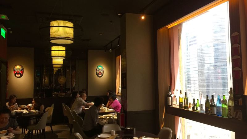 Causeway Bay high-ceiling restaurant for Lease in HK