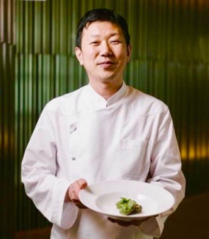Chef Eo Yun-gwon is the first Asian chef to denonce Michelin
