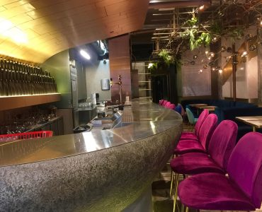 Beautiful Restaurant Bar in Central Hong Kong for Lease