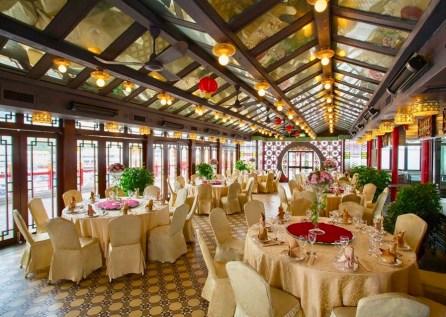 Huge Banquet Hall in Jumbo Floating Restaurant Hong Kong