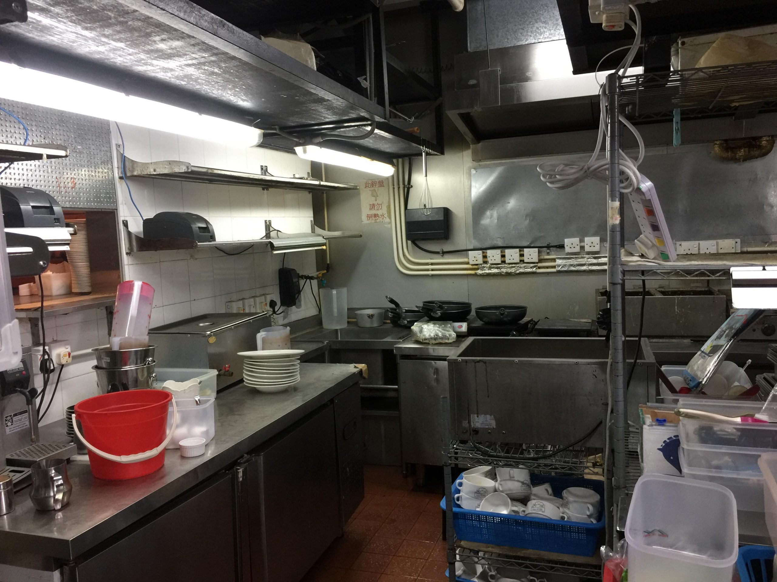 Kowloon Mongkok Fitted Upstairs Restaurant for Rent with full kitchen