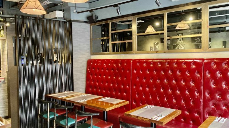 HK Soho Restaurant with Fitting for Rent in Central