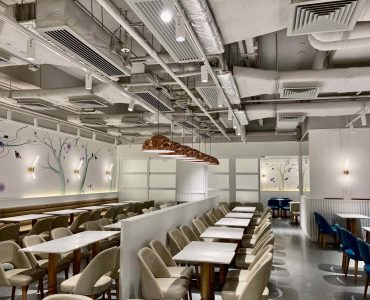 High-ceiling Basement Restaurant for Rent in Causeway Bay HK