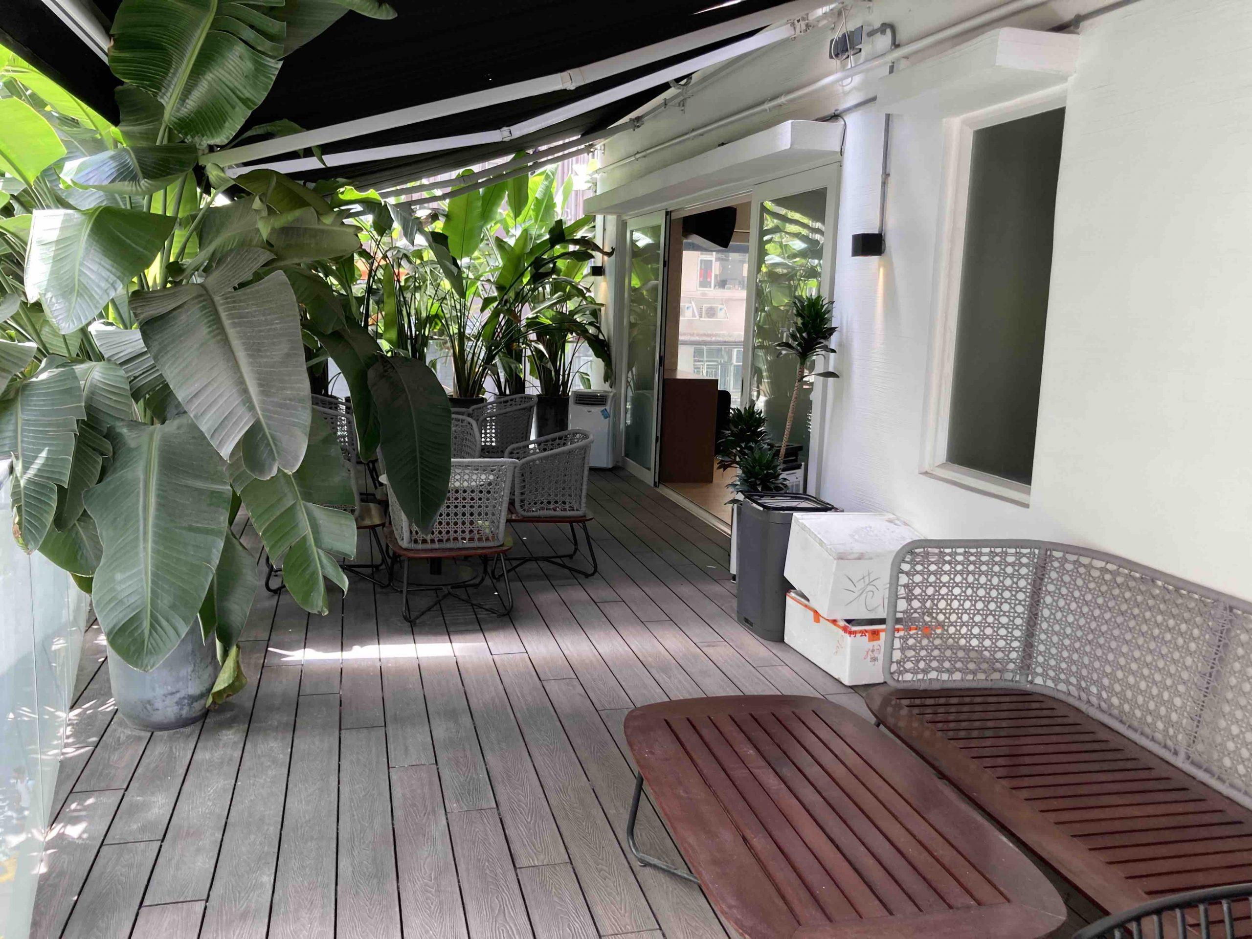 Bar Space with Outdoor in Central for Lease in HK