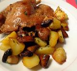 Stoofpotje met vlees, champignons en aardappeltjes