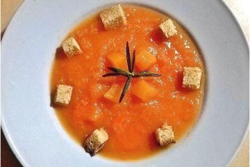 Vellutata di zucca e carote - la cucina pugliese