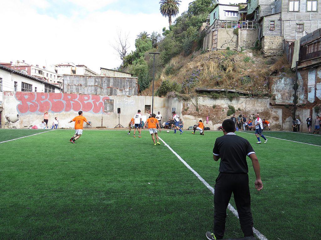Inauguración del nuevo Estadio Bellavista trajo risas y deporte al puerto