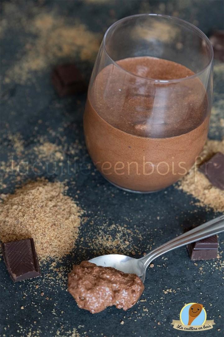 lacuillereenbois.fr - mousse au chocolat et sucre moscovado
