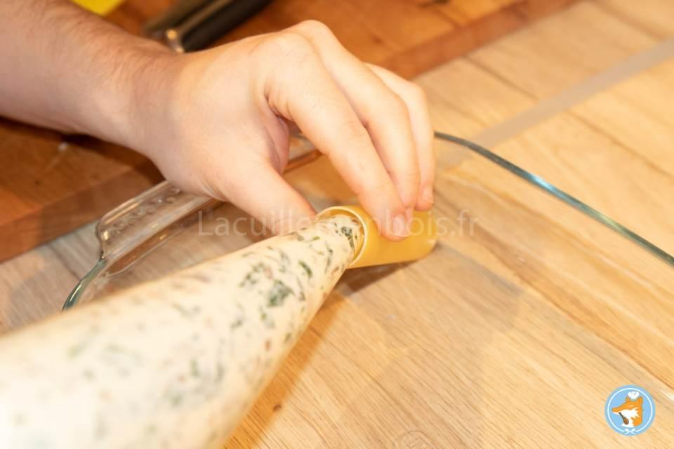 Préparez facilement chez vous de delectables cannelloni fourrés à la ricotta, aux cèpes et aux épinards- etape 10-1 mélanger le curry et la ricotta