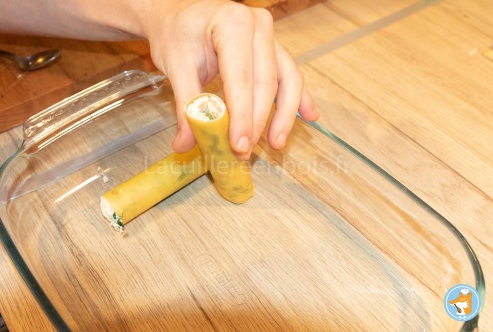 Réalisez sans peine chez vous de delectables cannelloni fourrés à la ricotta, aux cèpes et aux épinards- etape 10-2 fourer les cannelloni