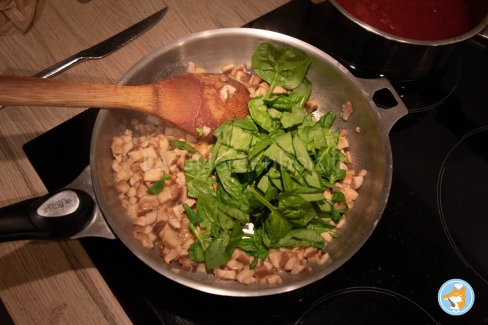 Recette pas-à-pas cannelloni divin aux épinards, à la ricotta et aux cèpes.