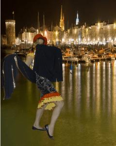 'Quel meilleur endroit qu'un port de la Méditerranée pour danser avec une melaya ?'