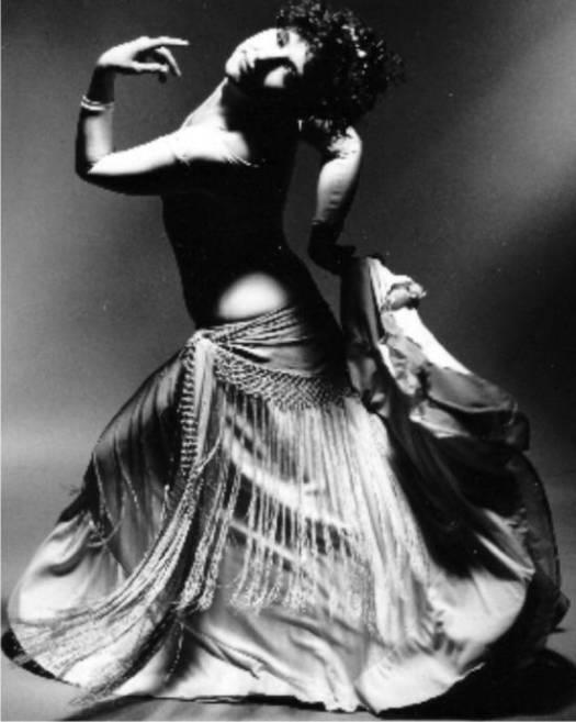 'Sa démarche fonde les bases de l'avenir de la danse orientale.'