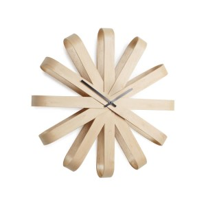 Horloge-Murale-Umbra-Ribbonwood-Hetre