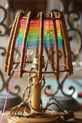 diy-scoubidou-lampe