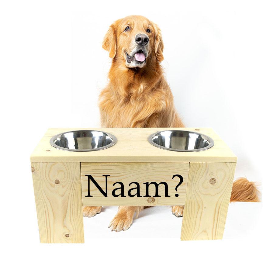 Hondenvoerbak van hout met eigen naam