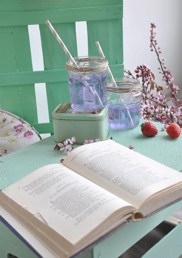 sirop violette, picnic pastel en interieur