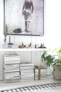 accumulation magazine sous meuble