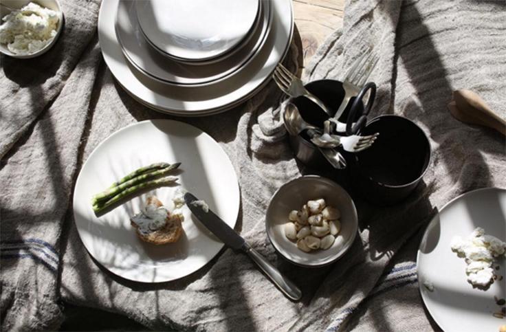 """""""Nkuku ce sont des produits inspirés de l'artisanat traditionnel indien. C'est aussi la combinaison du design contemporain, de techniques ancestrales, d'utilisation de matériaux naturels et de méthodes de production eco-friendly et tout cela dans le respect du commerce équitable."""" Un belle philosophie"""