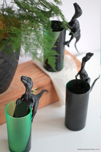 creation DIY la délicate parenthèse verres dinosaures pour Modes & Travaux