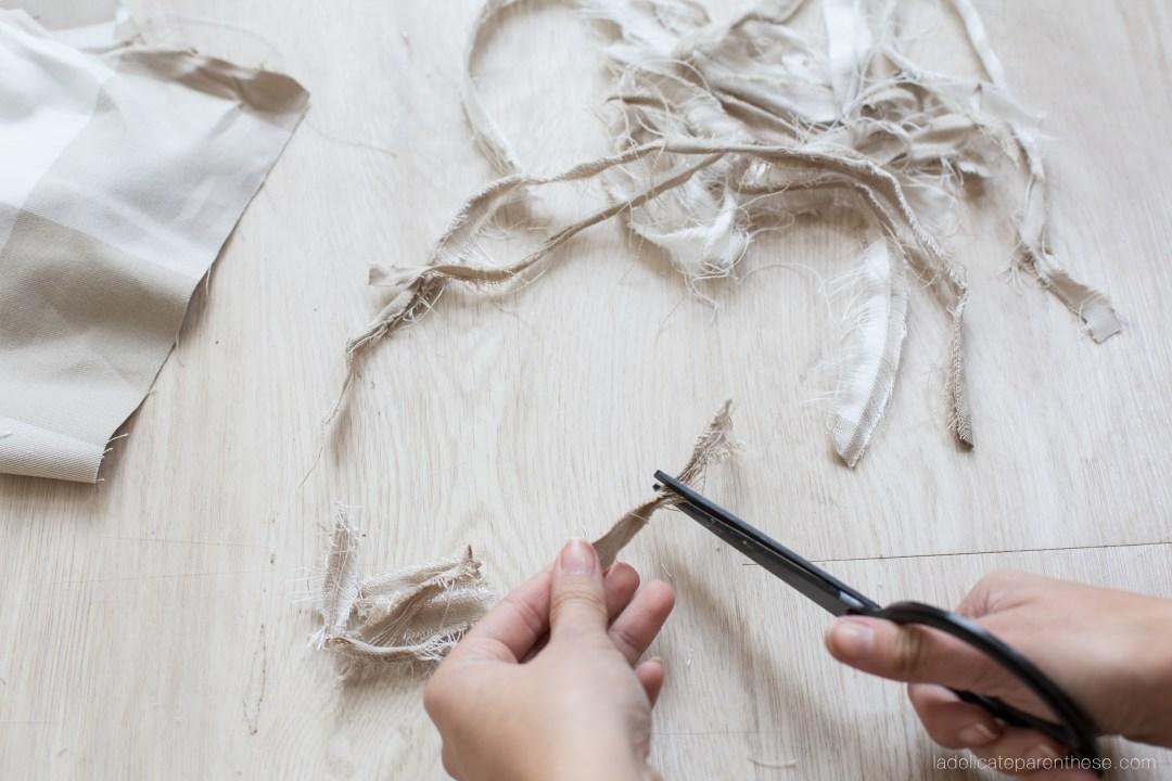DIY inspiration boule de noel chute de tissus IKEA découpe