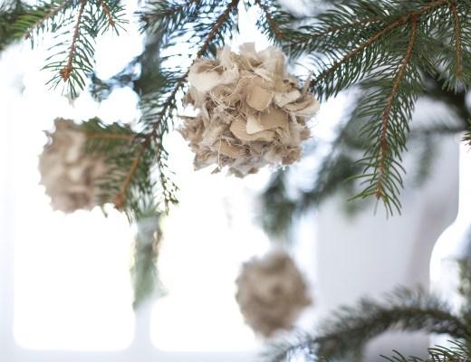 décoration de Noel inspiration up'cycling, créer des boules de noel avec des chutes de tissus IKEA