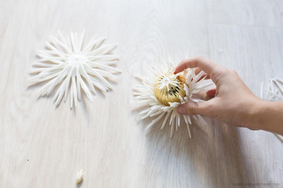 DIY blog déco inspiration boule de noel en fleur collage