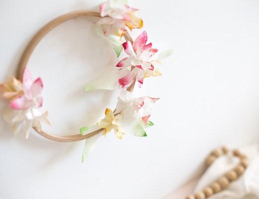 home création d'une couronne de fleur de tiaré en papier pour une rentrée féérique avec Vaiana