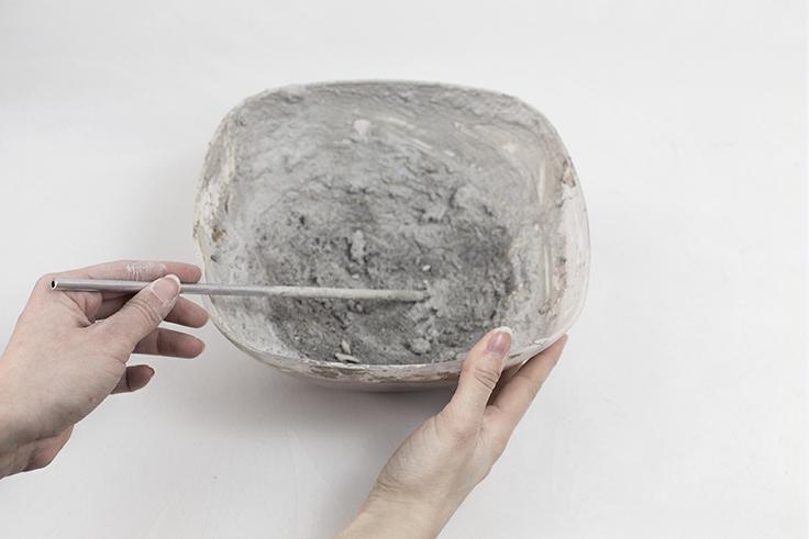 création pas à pas DIY bol en béton table de Pâques