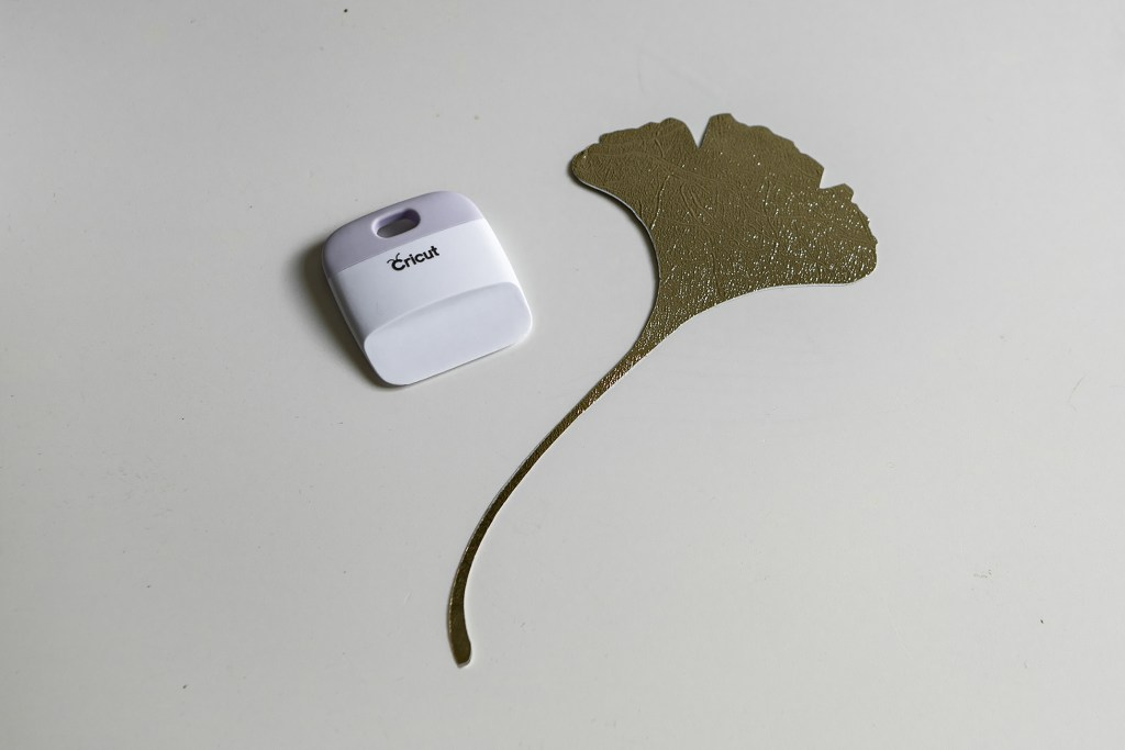 marouflage cricut gingko creation et decoupe