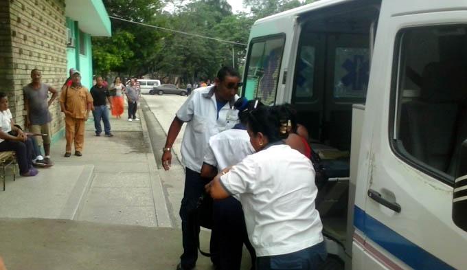 Los lesionados son atendidos en el Hospital provincial Carlos Manuel de Céspedes / FOTO La Demajagua