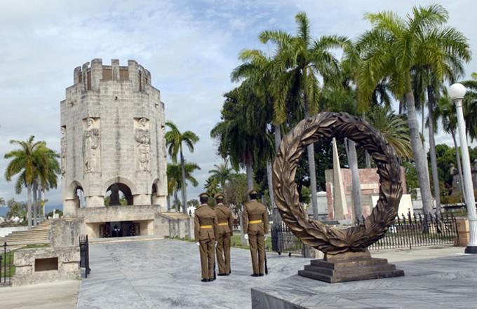 En este hermoso y simbólico entorno descansará por siempre Fidel.