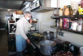 200331 - Bénévole cuisinier à la Table de Jeanne-Marie à Tours Tous droits réservés