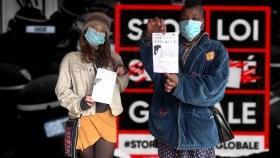 210114 - Tractages marché Lannion avant manif 16 janvier étudiantes sans cartouche