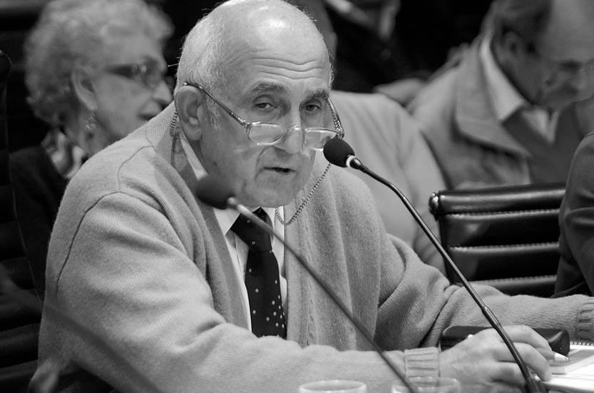 Roberto Markarian en el Consejo Directivo Central de la Universidad. Foto: Pablo Vignali (archivo, mayo de 2015)