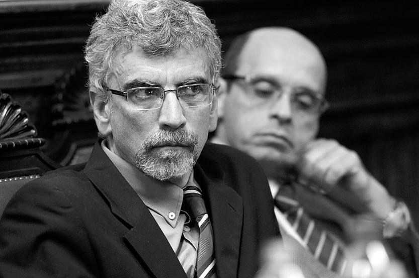 Pablo Chargoñia y Gilberto Rodríguez, ayer, en el Paraninfo de la Universidad. Foto: Pablo Vignali
