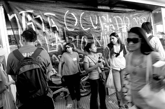 Supermercado Ta-Ta ocupado. Foto: Nicolás Celaya (archivo, marzo de 2011)
