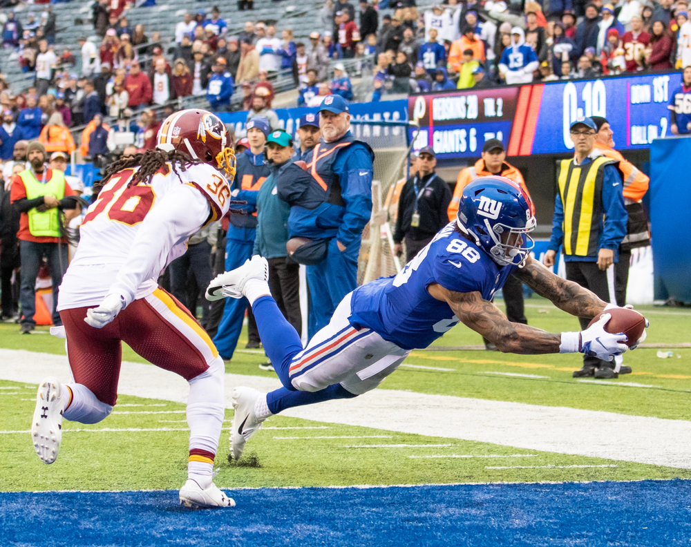 NFL New York Giants tight end Evan Ingram out stretched for a touchdown