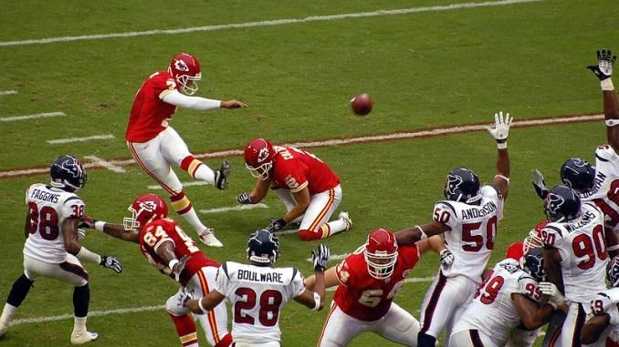 NFL Kansas City Chiefs kicker kicking a field goal