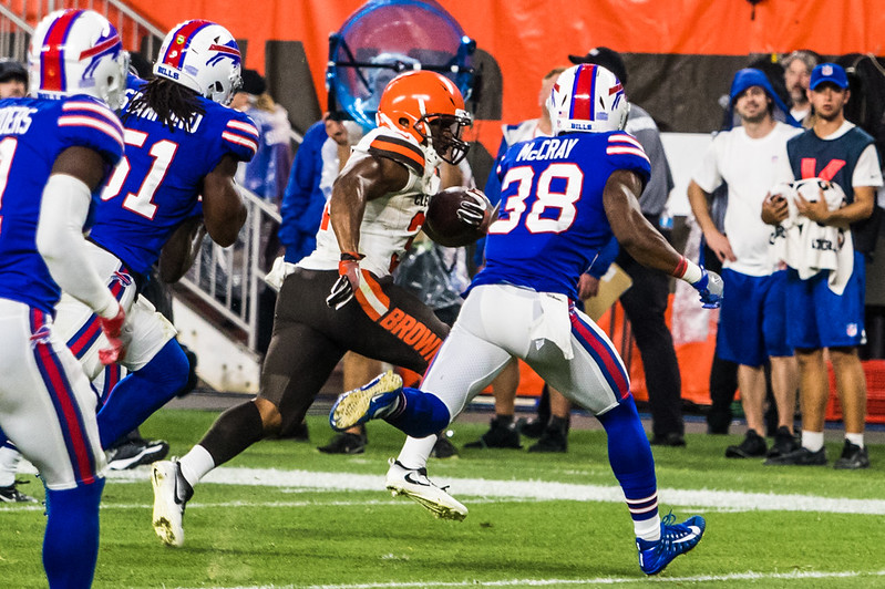 NFL Cleveland Browns running back Nick Chubb running with the football against the Buffalo Bills