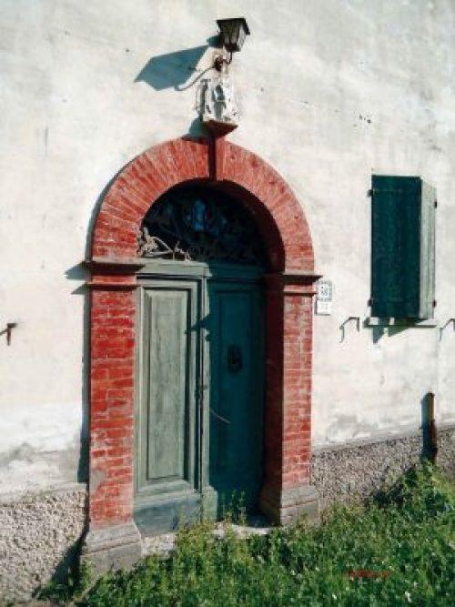 Rio Salso, l'ingresso della casa dove visse Fabio Tombari