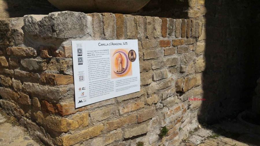Novilara (Pesaro e Urbino), uno dei pannelli illustrativi collocati in paese (Camilla d'Aragona)