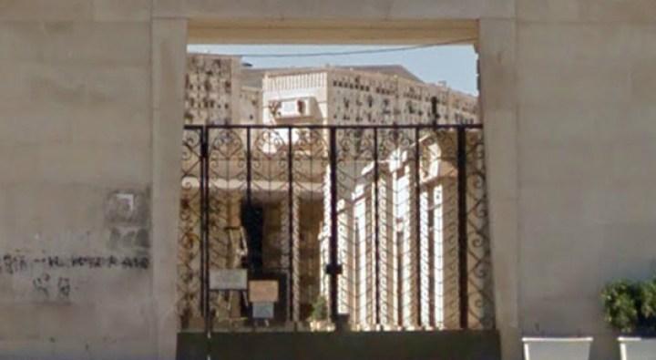 Cimitero, lavori di ampliamento ancora fermi. Nuove disposizioni per l'occupazione dei loculi