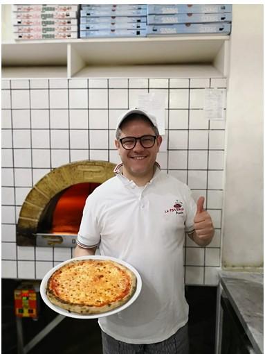 Angelo Di Molfetta al Campionato Mondiale di Pizza al Fungo a Gravina