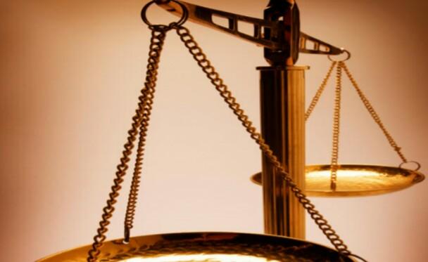 L'avvocato del Comune di Bisceglie fa causa… al Comune