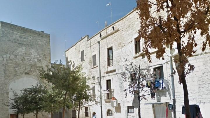 Occupava abusivamente alloggio comunale del centro storico. Il Comune si costituisce parte civile