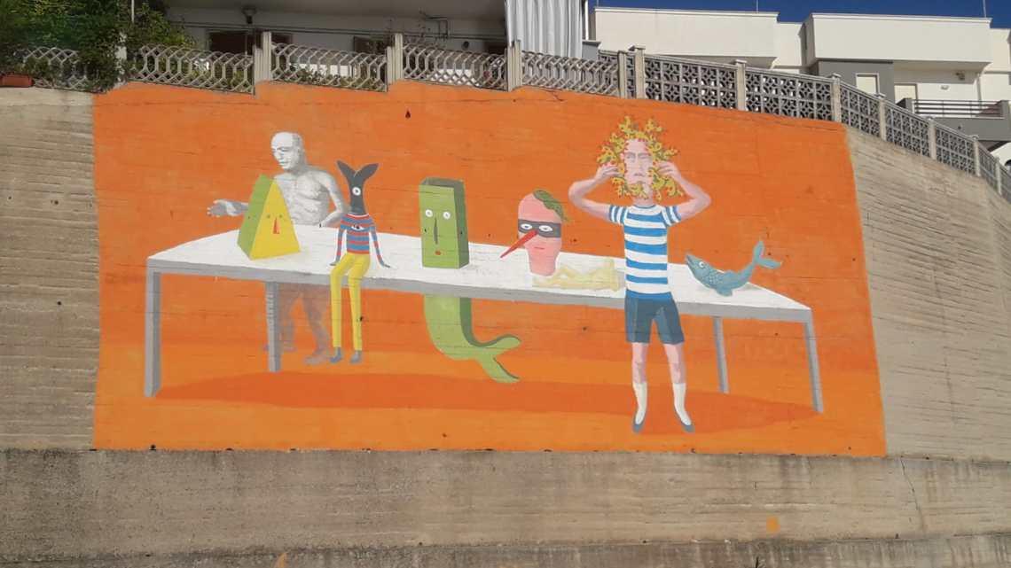 All'improvviso un murales tra Salnitro e il Porto. Così l'arte cancella il cemento