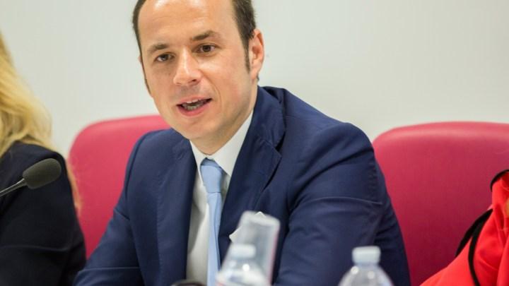 """""""Farò il Sindaco per cacciare metà dei dipendenti comunali"""", Alessandro Ricchiuti si candida. Provocazione o fa sul serio?"""