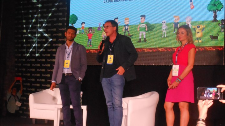 Digithon, il neo ministro e fondatore della maratona digitale, è la star della serata di giovedì