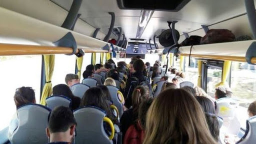 Finisce il distanziamento nei mezzi pubblici, Emiliano firma ordinanza trasporto a pieno carico